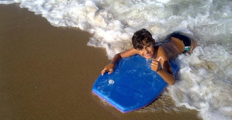 escolinha-de-surf.jpg